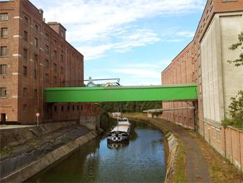 Castle_Malting_Canal_350.jpg
